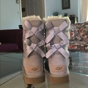 New in Box UGG Bailey Bow II Boots 7